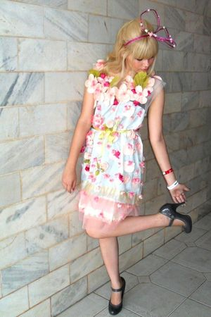 pink Laysa Rosa dress - gray Riachuelo shoes - pink Laysa Rosa accessories