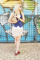 blue vintage vest - white E - ZONE top - brown Via Uno shoes