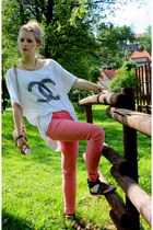 white diy Chanel shirt - gold vintage bag - salmon skinny Bershka pants