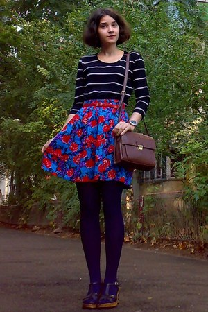 navy tights - dark brown Zara purse - blue floral thrifted shorts