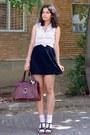 Black-textured-tulip-thrifted-skirt-crimson-vintage-purse-peach-socks