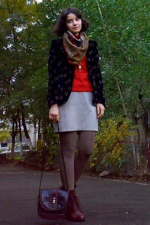 black thrifted blazer - burnt orange leather boots - tawny sweater