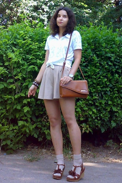burnt orange thrifted purse - beige high-waisted thrifted shorts - tan socks