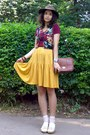 Mustard-striped-thrifted-skirt-light-brown-thrifted-hat