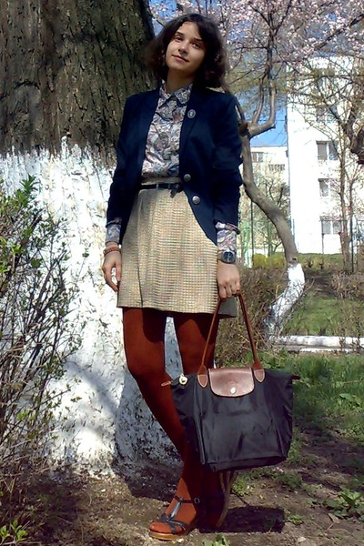 navy MBG blazer - brick red tights - black longchamp bag