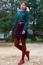 Forest-green-thrifted-sweater-burnt-orange-tights-black-thrifted-purse