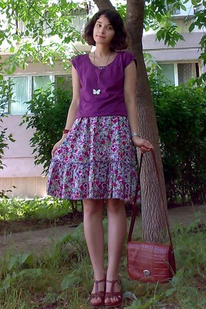 amethyst floral dress - burnt orange vintage Marc Chantal purse - magenta blouse