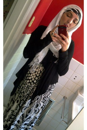 white white scarf - zebra print scarf - dress - black cardigan