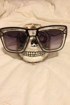 white Ksubi sunglasses - black ksubu sunglasses - white Ksubi accessories