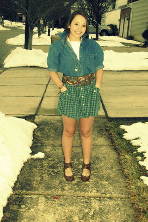 blue unknown collared denim shirt - white Hanes t-shirt - green Aerie plaid skir