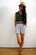heather gray shorts - camel hat - olive green top