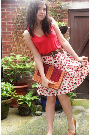 cream Laura for Topshop skirt - burnt orange thrifted bag - red Primark vest