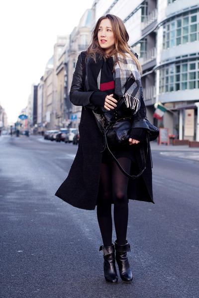 black leather vintage jacket - black knit Zara sweater