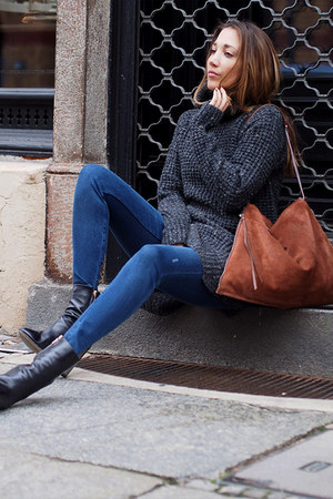 black Hugo Boss boots - blue Zara jeans - dark gray gsus sweater