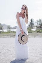 white lace Iorane dress - tan Seeberger hat