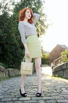 green vintage skirt - white H&M top - barrats shoes - yellow vintage purse