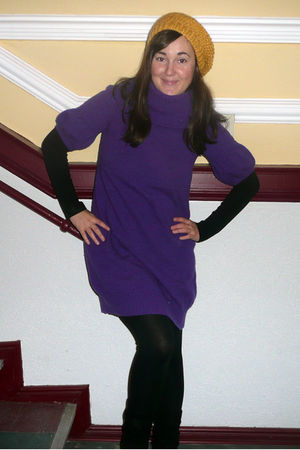 purple pepe dress - gold SIX hat