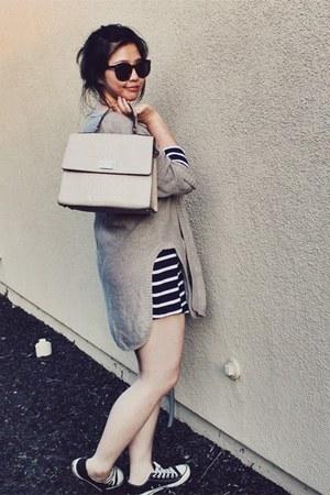 navy striped t-shirt Zara dress - beige kate spade bag