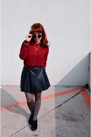black Pull and Bear skirt - ruby red Stradivarius shirt - camel thrifted tights