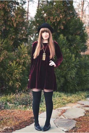 black vintage thrifted shoes - crimson thrifted dress - black H&M hat - black Ta