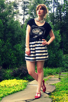 black H&M t-shirt - white Forever 21 skirt - red Urban Outfitters shoes - white