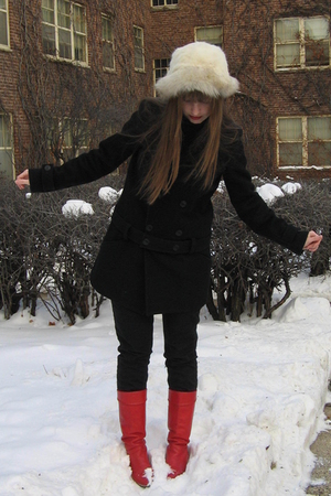 red vintage boots - black Comptoirs des Cottoniers coat - black madewell jeans -
