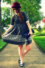 Gray-vintage-dress-red-thrifted-vintage-hat-blue-thrifted-vintage-shoes-bl