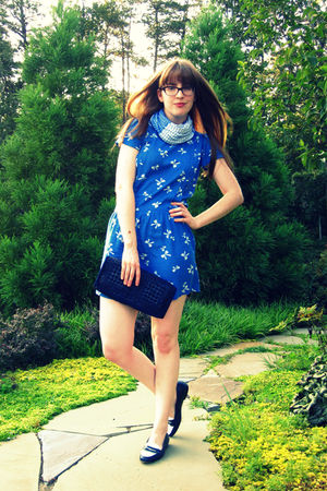 blue Urban Outfitters dress - blue vintage thrifted purse - blue vintage thrifte