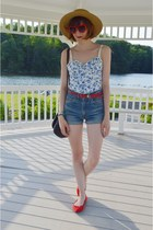 red sunglasses - camel hat - blue floral tank top H&M shirt