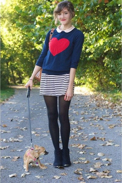 blue heart Forever 21 sweater - black ankle H&M boots - light pink dress