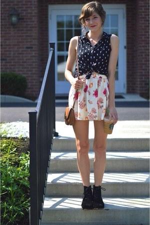 eggshell floral Forever 21 skirt - black modcloth boots