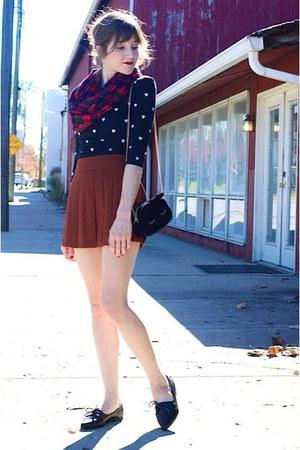 burnt orange pleated skirt - black shoes - shirt - red plaid Forever 21 scarf