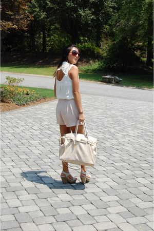 beige Mimis Boutique bag - peach pleated H&M shorts - off white Aldo sandals - i