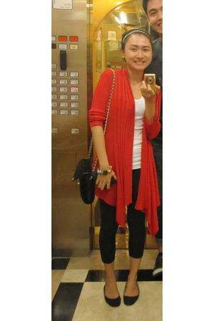 red moms cardigan - white tiangge top - black Pink Lemonade leggings - black sho