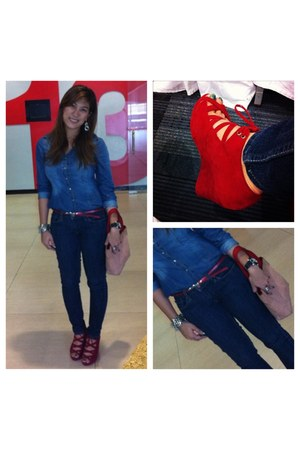 wedges - jeans - bag - blouse