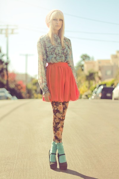 pink amazing floral Forever 21 tights