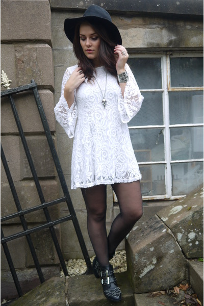 Daisy Street boots - asos dress
