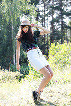 nude bowler Monki hat - navy striped H&M top - light blue denim vintage from Bea