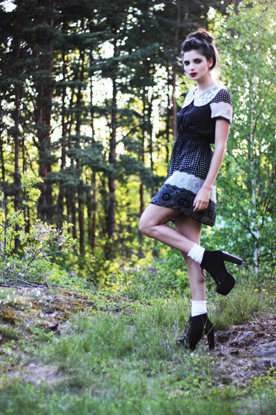 black polka dot print Mina UK dress