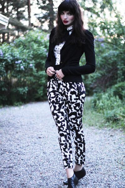 Leifsdottir blazer - vagabond shoes - bow print H&M shirt