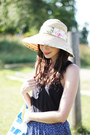 Neutral-straw-beach-shop-in-barbados-hat-blue-striped-beach-ikea-bag-navy-fl