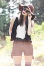 Crimson-floppy-asos-hat-navy-denim-suspender-vila-shorts-black-over-knee-aso