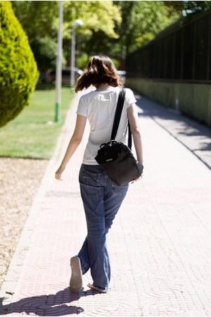 white Ipanema sandals - navy Forever 21 jeans - white Blanc Mind t-shirt