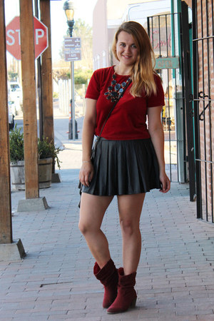 ruby red crop velvet derek heart top - brick red cowboy Charlotte Russe boots
