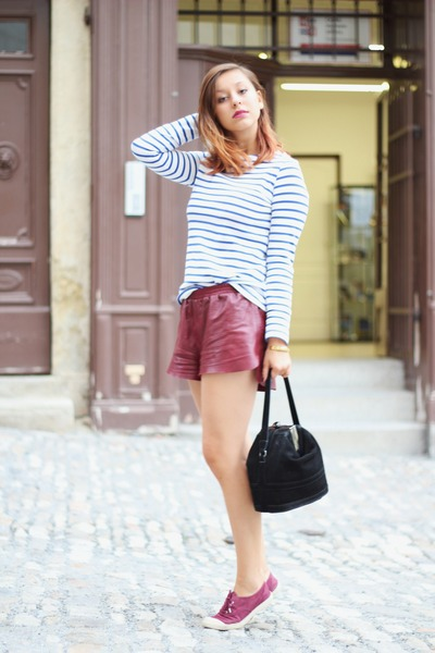 ruby red leather H&M shorts - maroon Bensimon shoes - black Uterque bag