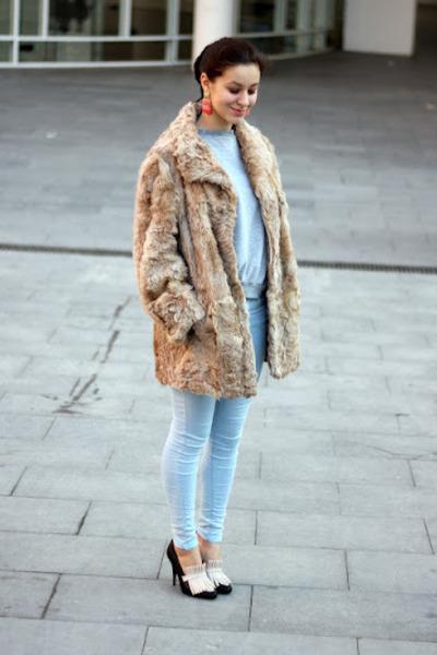 Uterque heels - vintage coat - Topshop jeans - vintage sweater