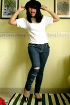 t-shirt - jeans - hat - shoes