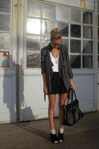 black Pimkie skirt