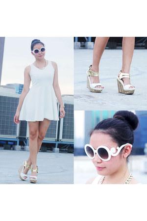 white Prada sunglasses - chain cotton on necklace