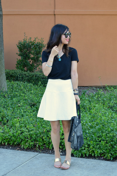 white banana republic skirt - foley & corinna bag - black random t-shirt